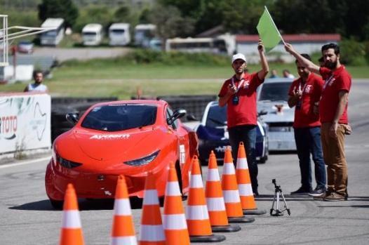 Türkiye'nin ilk sürücüsüz araç yarışı yapıldı!