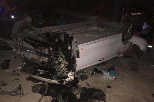 Otomobil köprüden uçtu. 1 ölü, 2 yaralı