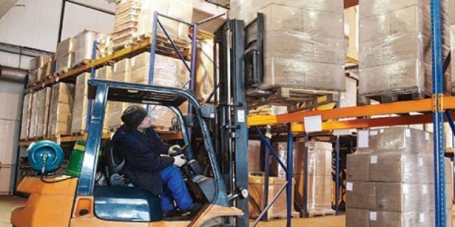 Forkliftin altında kalan işçi öldü