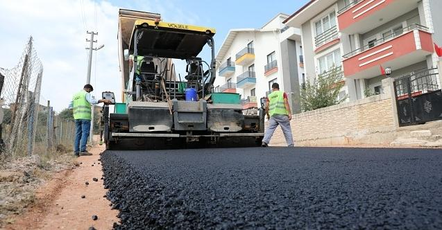 İzmit Belediyesi'nden Alikahya'da 8 sokakta birden asfalt mesaisi!
