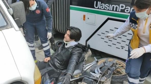 İzmit'te tramvay motosiklete çarptı!